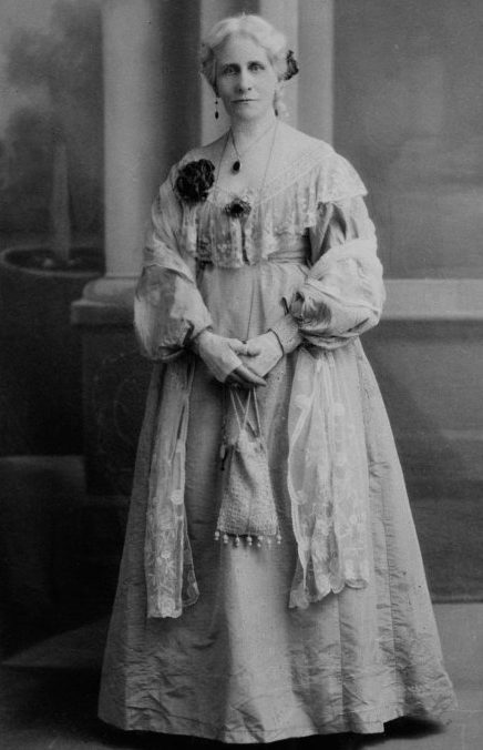 Mrs Ida Green at the Perth Oval Centenary Ball, displaying typical fashion for the time, 13 September 1929. (Supplied: State Library of Western Australia)