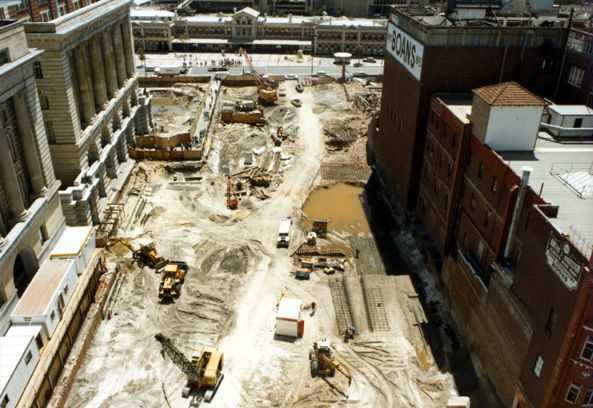 Aerial view of the Forrest Place redevelopment, 1987, looking north to Perth Railway Station. (Supplied: farm4.static.flikr.com)