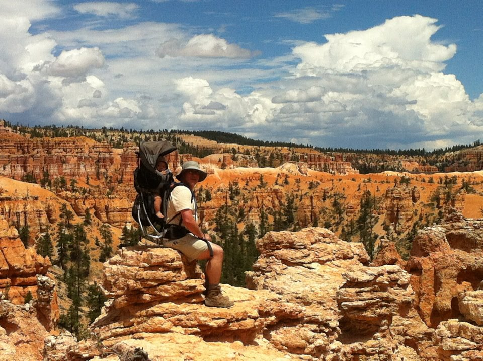 Kyan, 6 months old, Hoodoos at Peek-A-Boo Trail, Bryce Canyon