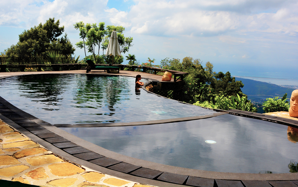 Infinity Pool_Strawberry Hill