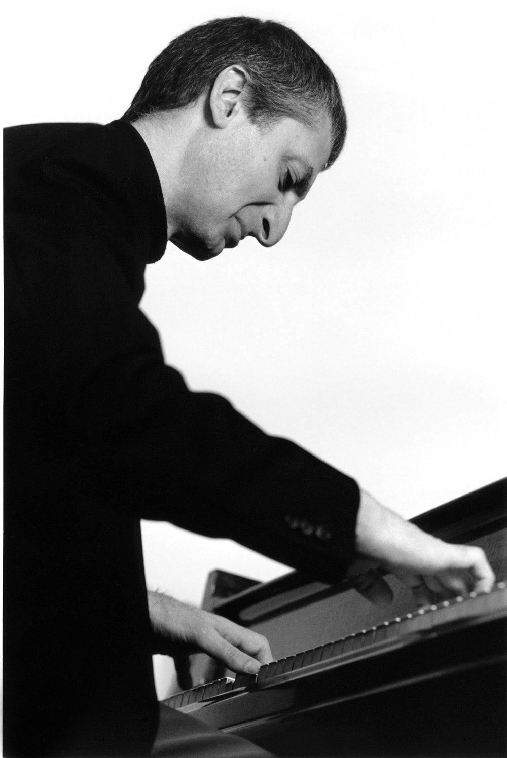 Armen Donelian, piano