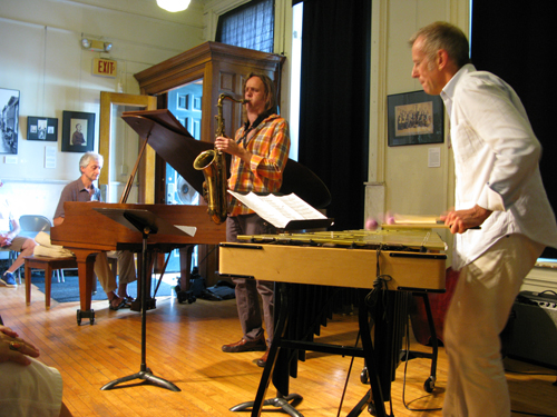 Joe Locke performing with Armen & Marc
