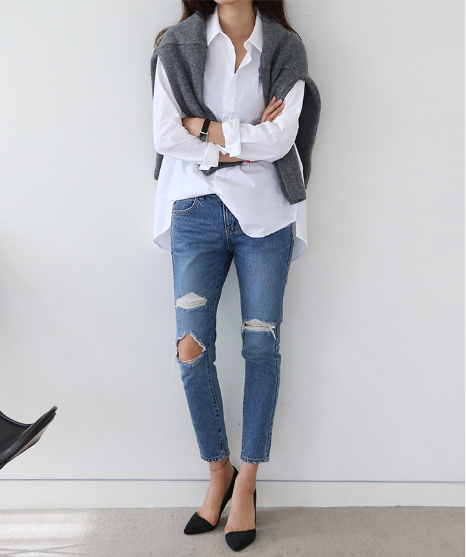 how-to-layer-white-shirt-jeans.png