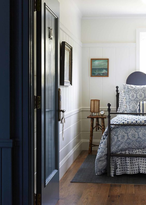 blue-nautical-cape-cod-bedroom.jpg