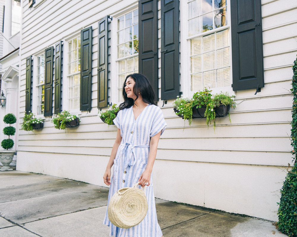 Charleston-South-carolina-linen-dress-straw-bag-outfit-castaner-carina-espadrilles-ruffs-signet-ring-gldn-ringDSC00844.jpg
