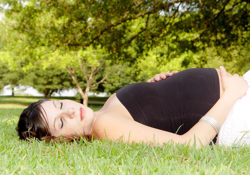 Mariels Maternity Photography at Lady Bird Lake or Town Lake Austin TX-May-04-2006-0016.jpg