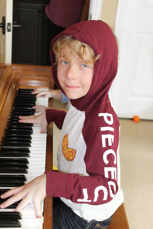 huck:piano.JPG