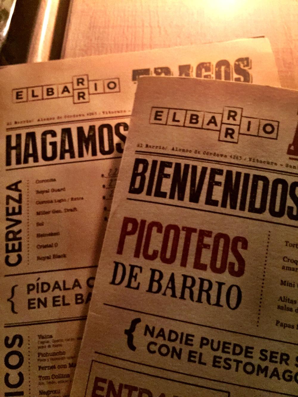Adorei o cardápio do restaurante, lembra jornais antigos né?