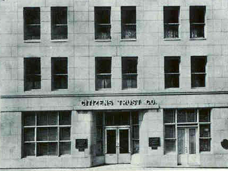 The first Citizens Trust Bank building was located on Auburn Avenue in Atlanta from its founding in 1921 until the 1960s. The Sweet Auburn district formed the center of the African American business and residential community in Atlanta early in the twentieth century. Courtesy of Citizens Trust Bank
