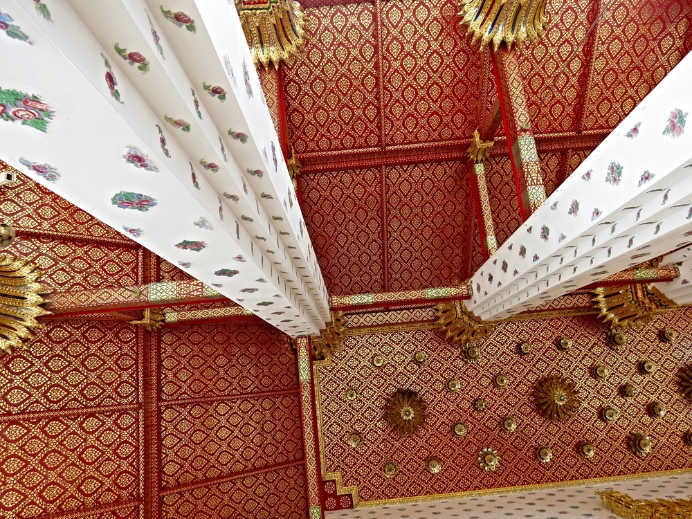 ceiling of Wat Arun.jpg