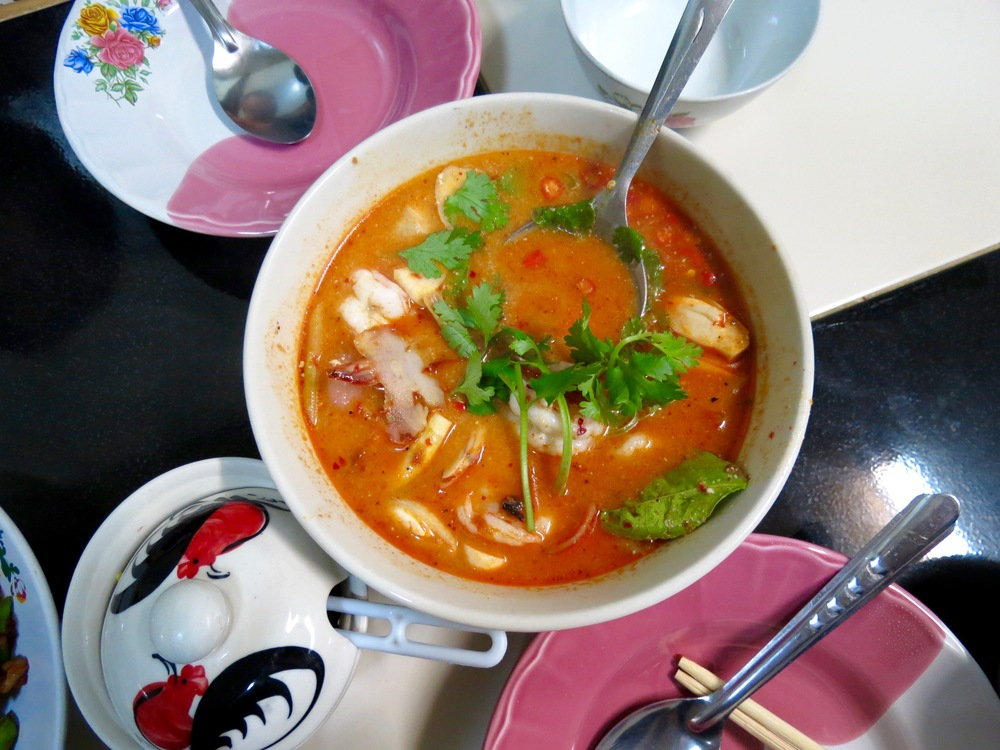 tom yum going w- prawns.jpg