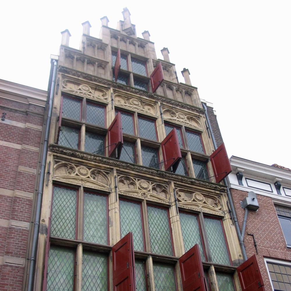 Gotisch Huis, Kampen   Bouwjaar: Omstreeks 1500  Bouwstijl:  Gotisch   Bouwtype: