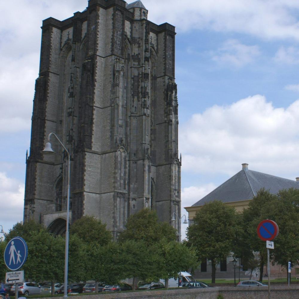 Sint Lievensmonstertoren, Zierikzee   Bouwjaar:   Tussen 1454 en 1530  Bouwstijl: Brabantse gotiek  Bouwtype:  Gotiek