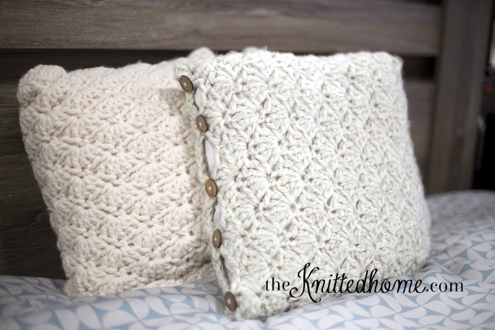 Chunky Crochet Shell Pillow cover | theknittedhome.com