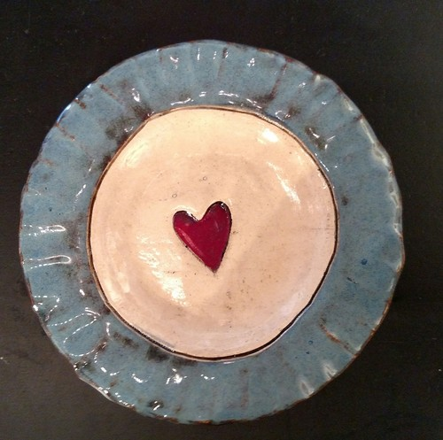 Carol+Phillips+Whitt+heart+blue+trim+hand+built+ceramic+dish+5%22+in+dia+34.jpg