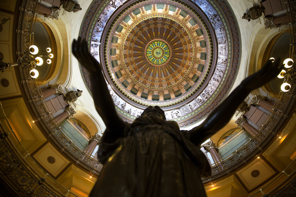Inside the Illinois State Capitol building in Springfield Tuesday, May 12, 2015. (Erin Hooley/Chicago Tribune)