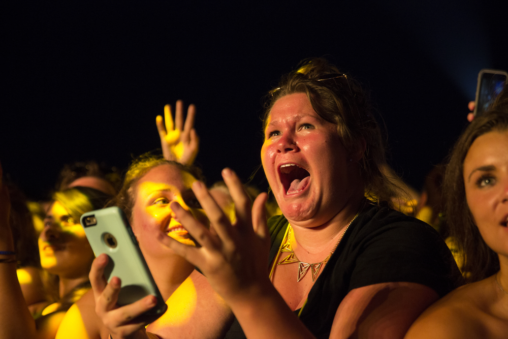 Fans go crazy for Sam Smith as he performs at the Lollapalooza Music Festival Saturday, August 1, 2015. (Erin Hooley/Chicago Tribune)