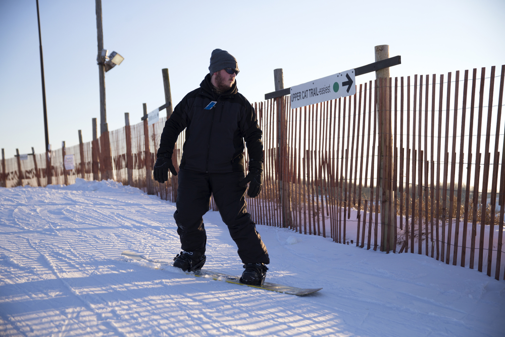 Jon Maahs of McHenry heads down the Upper Cat Trail at Wilmot Mountain Ski Resort Wednesday, Jan. 20, 2016, in Wilmot, Wis. The Colorado-based company Vail Resorts recently purchased Wilmot. (Erin Hooley/Chicago Tribune)