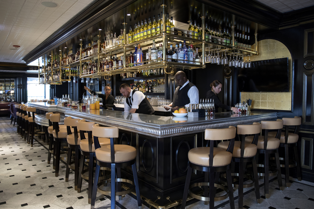 The bar area at Margeaux Brasserie at the Waldorf Astoria Thursday, June 6, 2017, in Chicago. (Erin Hooley/Chicago Tribune)