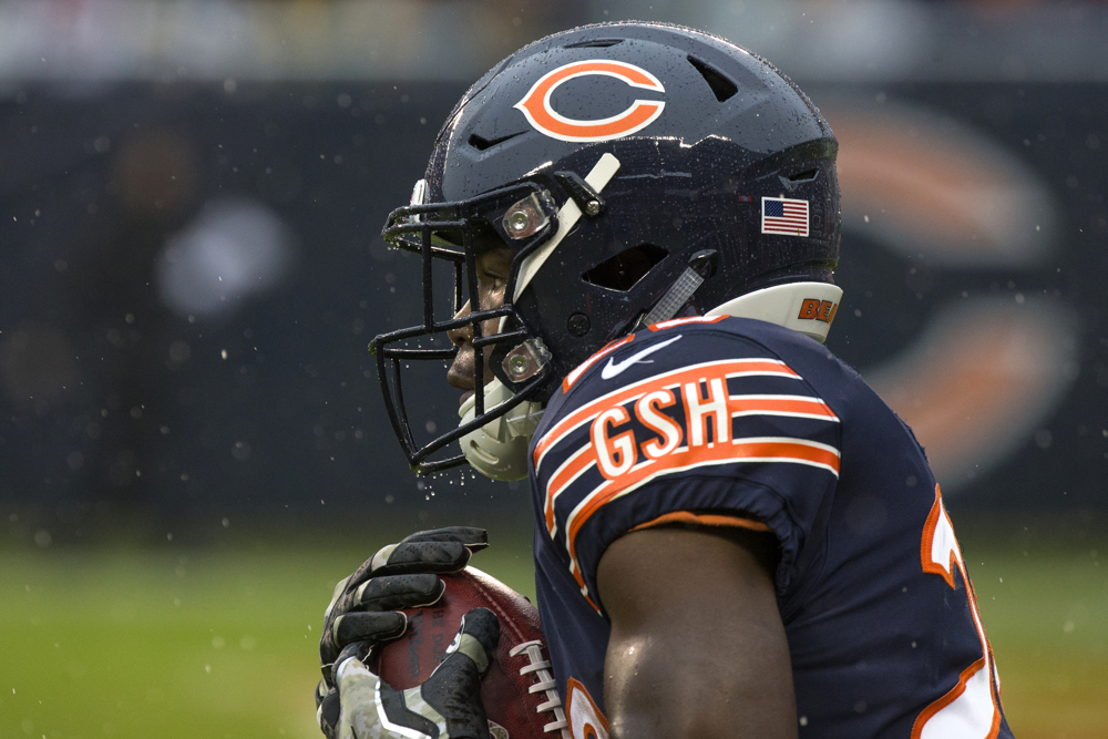 Chicago Bears running back Tarik Cohen (29) catches a kick from the Green Bay Packers during the first quarter of the Chicago Bears versus Green Bay Packers game Sunday, Nov. 12, 2017, at Soldier Field in Chicago. (Erin Hooley/Chicago Tribune)