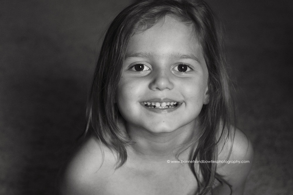 Black & White image of little girl in York PA