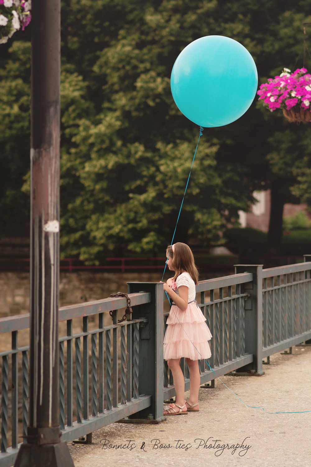 girl with balloon mini session york pa