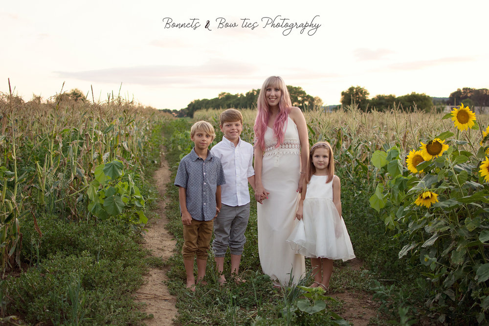 family photo shoot in wrightsville corn field