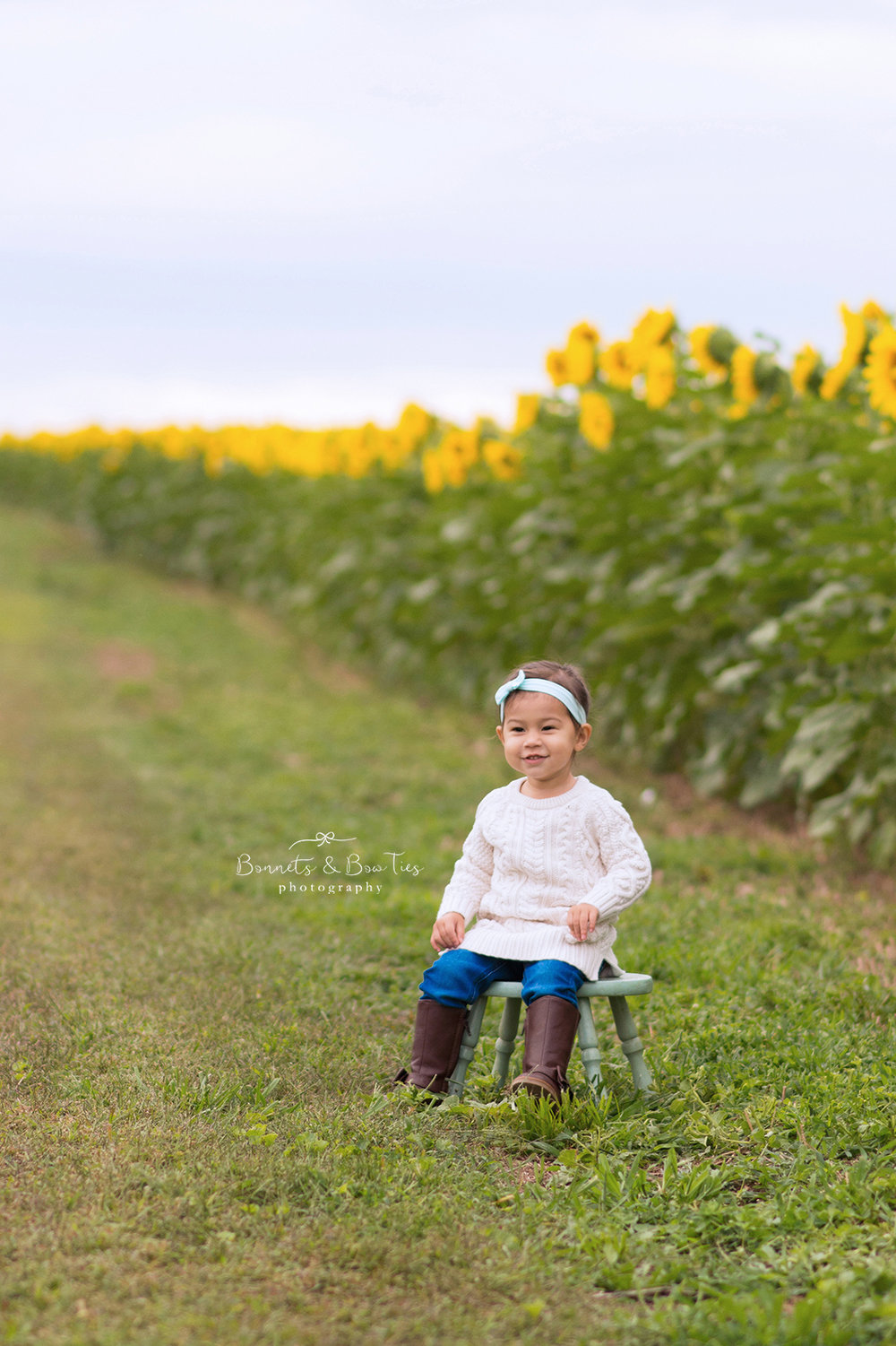 girl sunflower session.jpg
