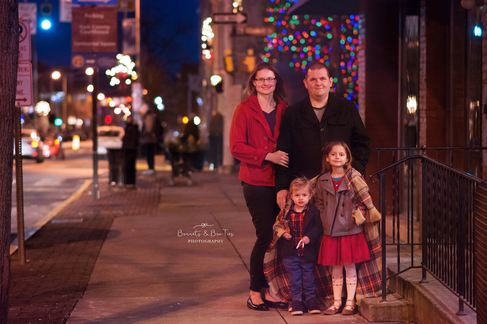 family christmas photo session in downtown york pa.jpg