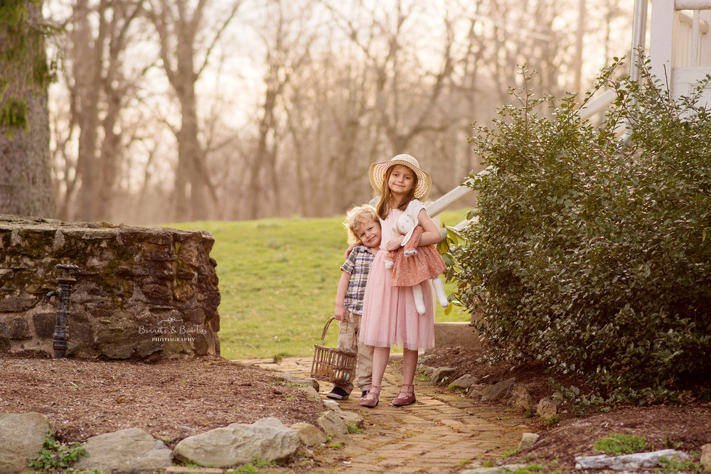 girl and boy portrait session in york pa.jpg