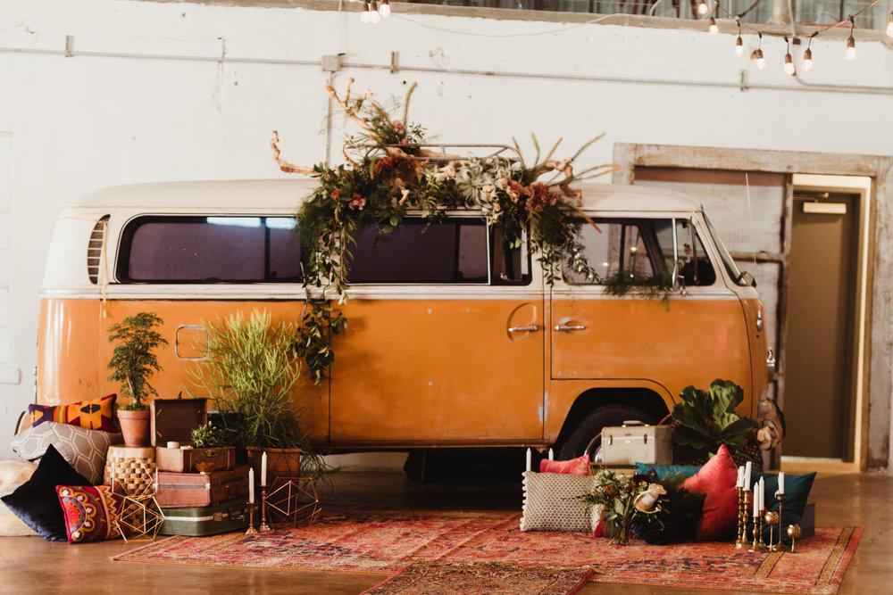 shootout_bus_installation_wedding85.jpg