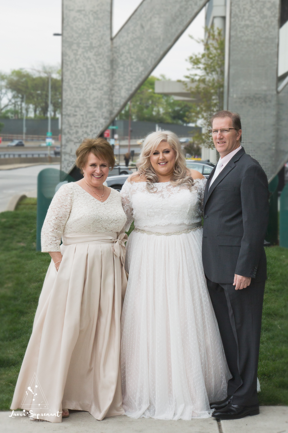 wedding_photography_chicago_wrigley_field_ravenswood_event_center_laura_suprenant (7 of 82).jpg