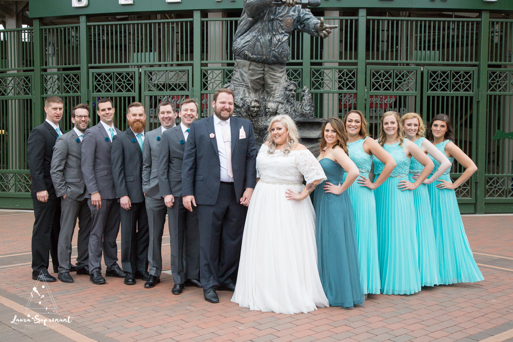 wedding_photography_chicago_wrigley_field_ravenswood_event_center_laura_suprenant (38 of 82).jpg