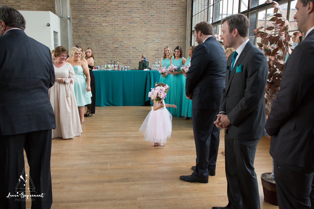 wedding_photography_chicago_wrigley_field_ravenswood_event_center_laura_suprenant (50 of 82).jpg