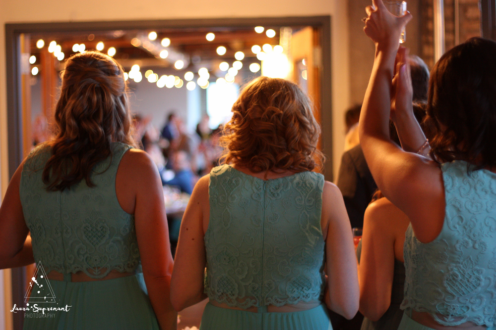 wedding_photography_chicago_wrigley_field_ravenswood_event_center_laura_suprenant (60 of 82).jpg