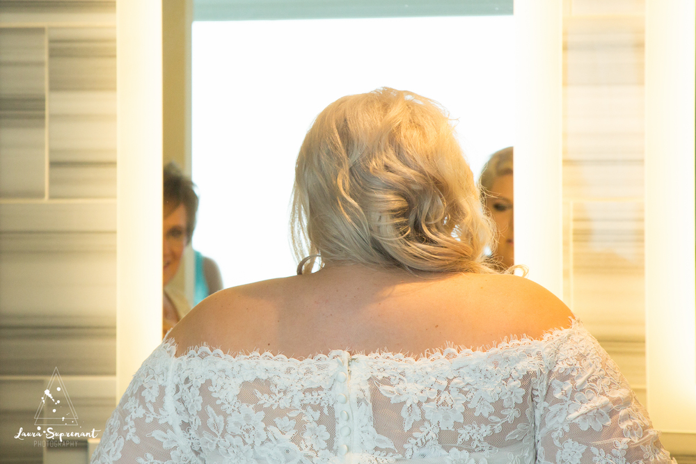 wedding_photography_chicago_wrigley_field_ravenswood_event_center_laura_suprenant (73 of 82).jpg