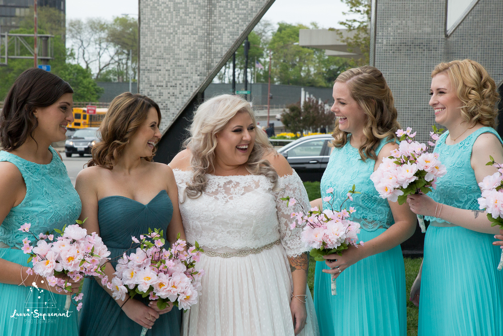 wedding_photography_chicago_wrigley_field_ravenswood_event_center_laura_suprenant (76 of 82).jpg