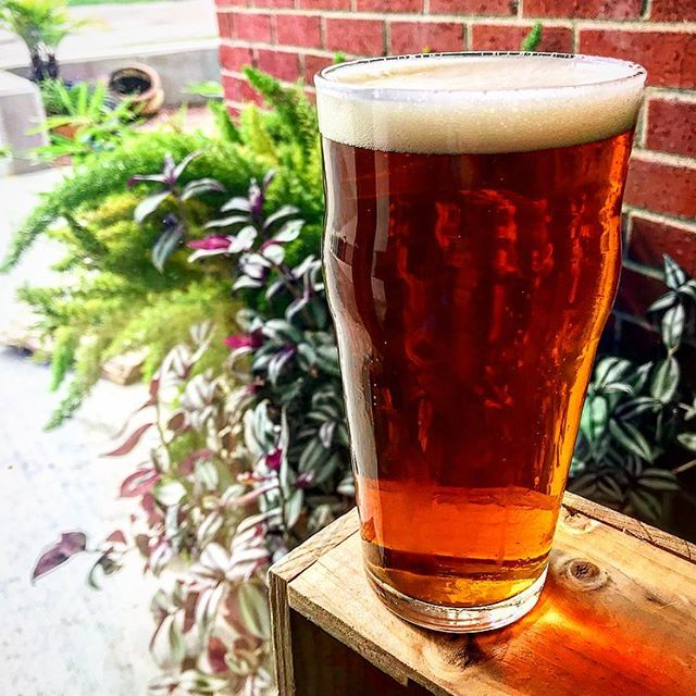 Just tapped! The Octoberfest from @bellsbrewery — a toasty, malty flavor with a crisp finish. Pretty darn nice with our bacon & apple pizza.