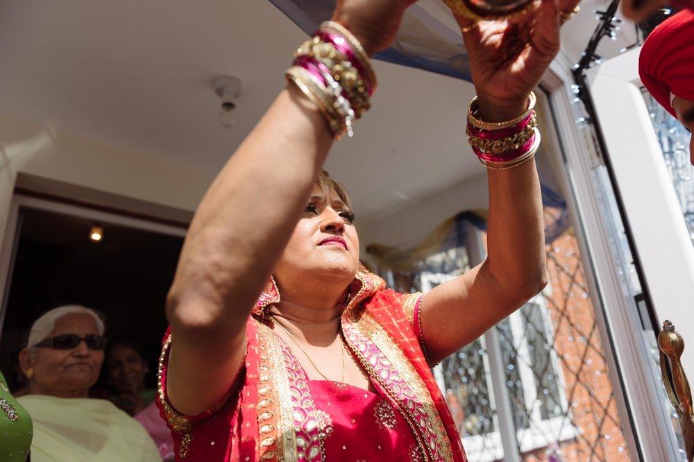 Gurpreet and Nick Sikh Wedding - Southampton - Photos by Abhi 45.jpg