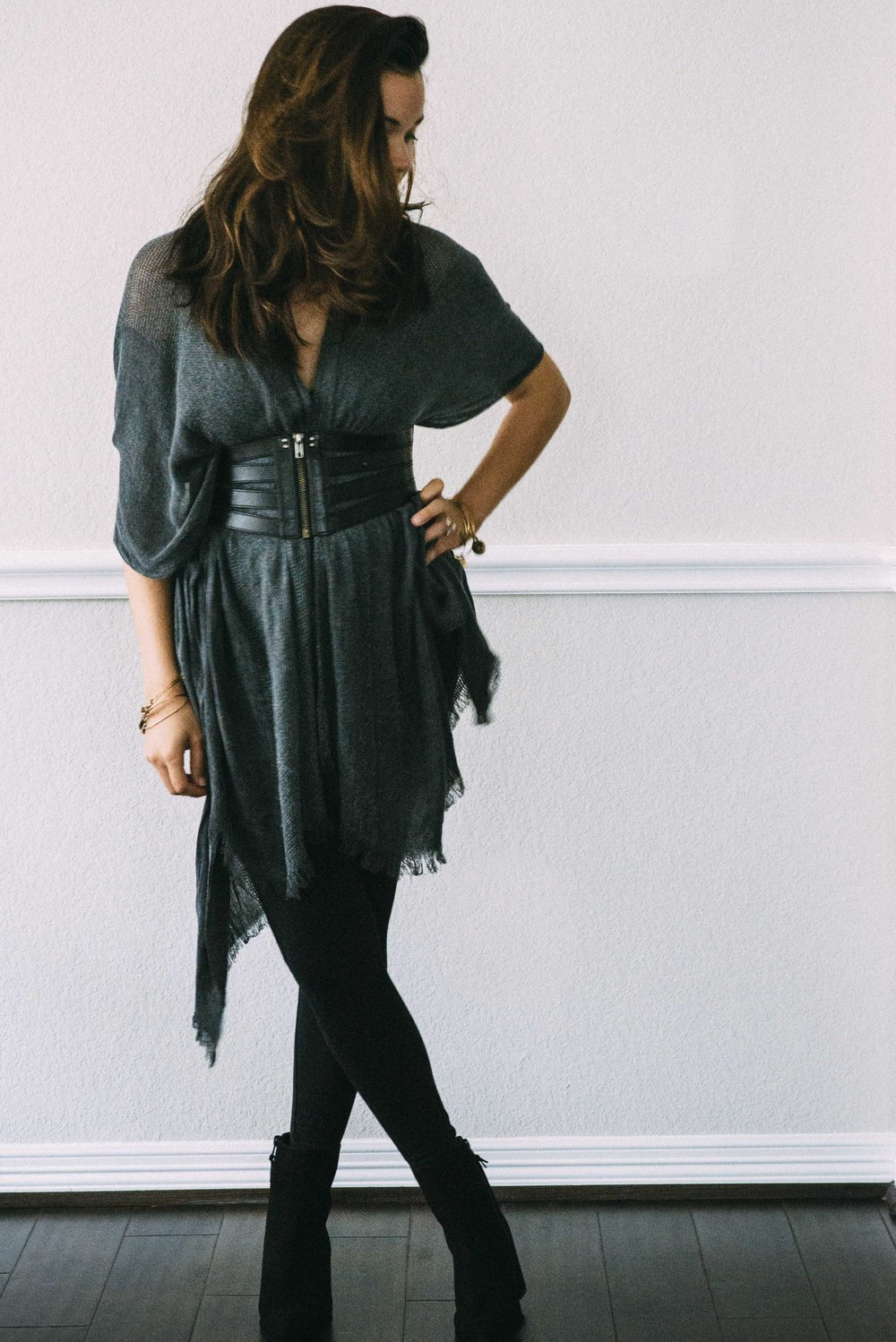 low-key-chic-jumpsuit-kimono-fall-transition-outfit