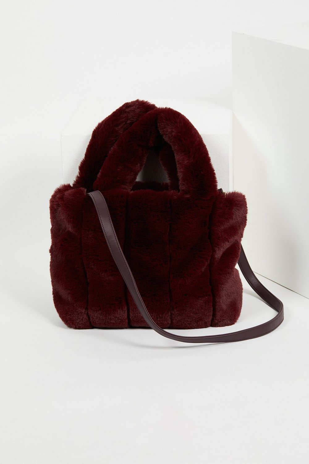 red-accessory-fall