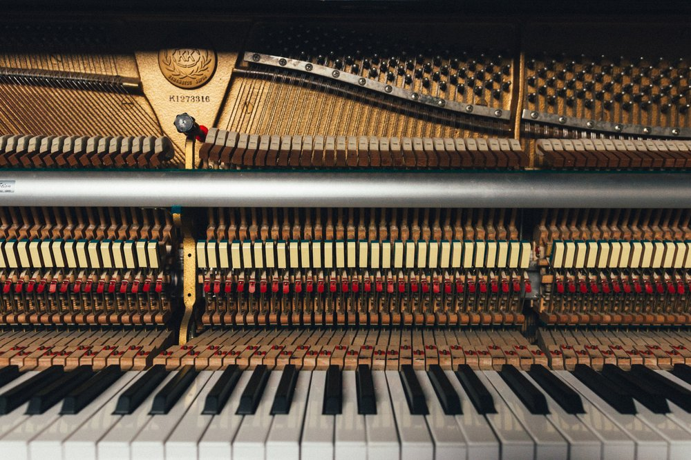 Seven Ways Playing Piano Helps Your Brain