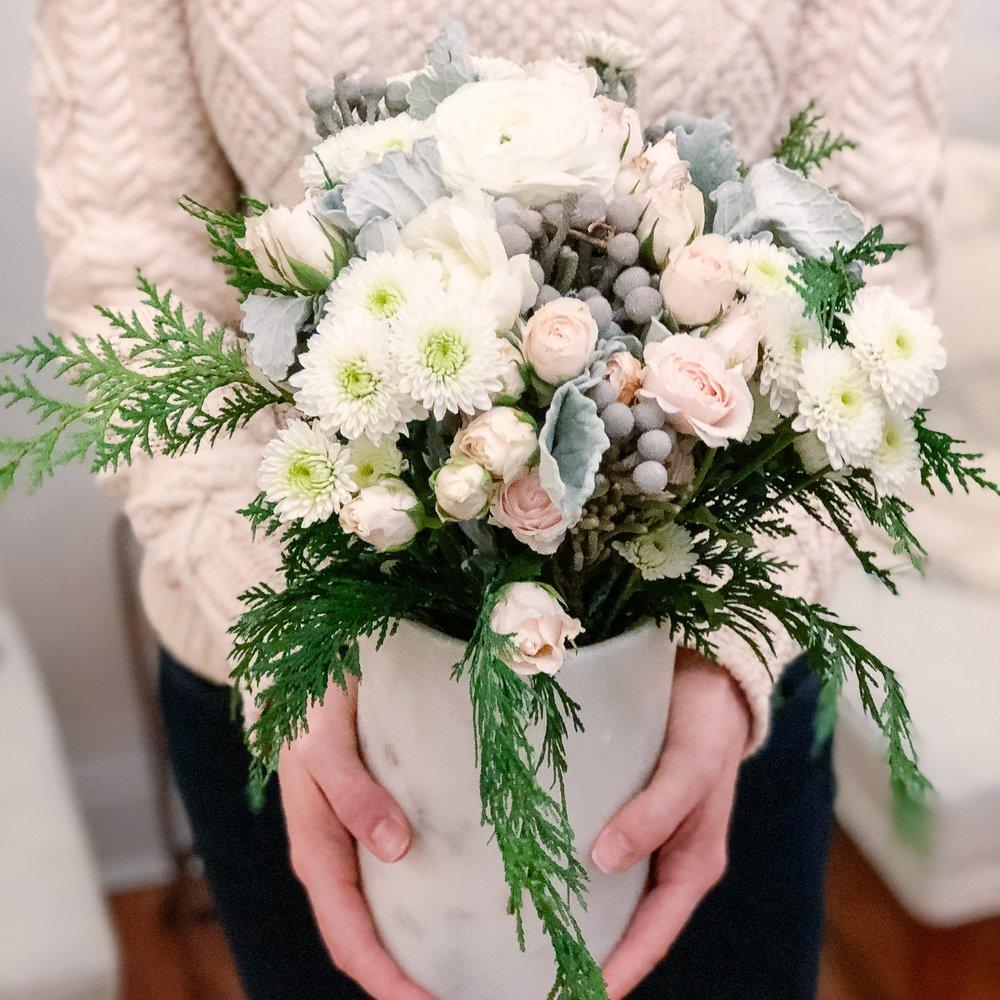 Minimalist Christmas decorations: winter flower bouquet