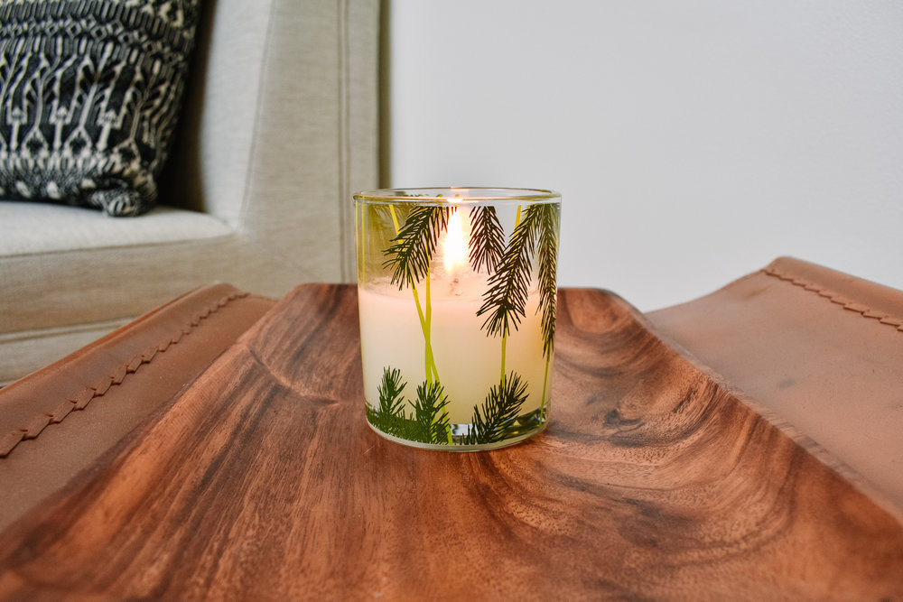 Minimalist Christmas Decorations: Frasier Fir Candle from Thymes
