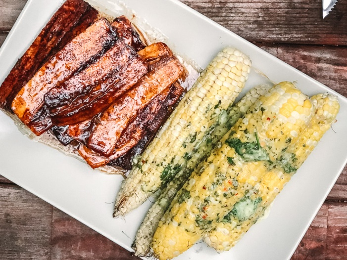 Grilled corn with cilantro lime butter -