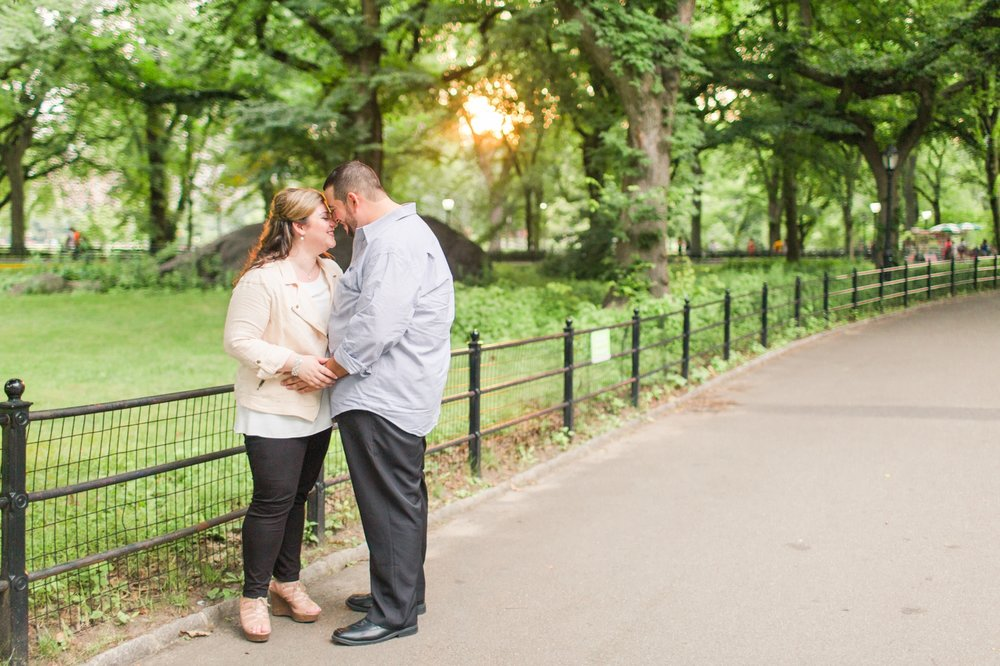 central-park-engagement-session-top-ct-nyc-wedding-photographer-shaina-lee-photography-photo-11.jpg