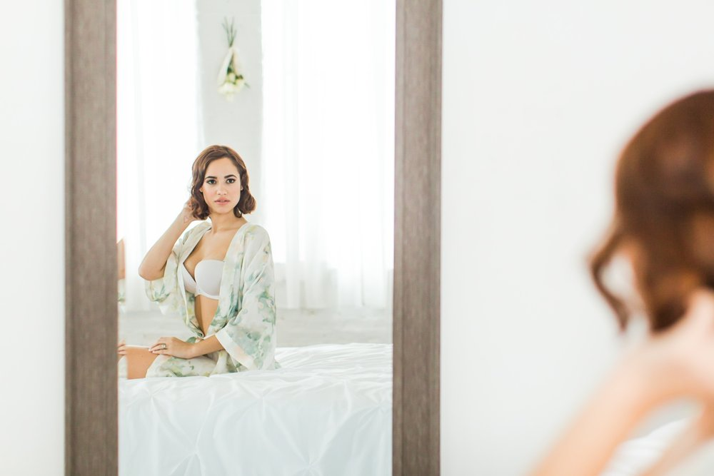connecticut-bridal-boudoir-studio-westchester-nyc-wedding-engagement-photographer-suzanna-shaina-lee-photography-photo