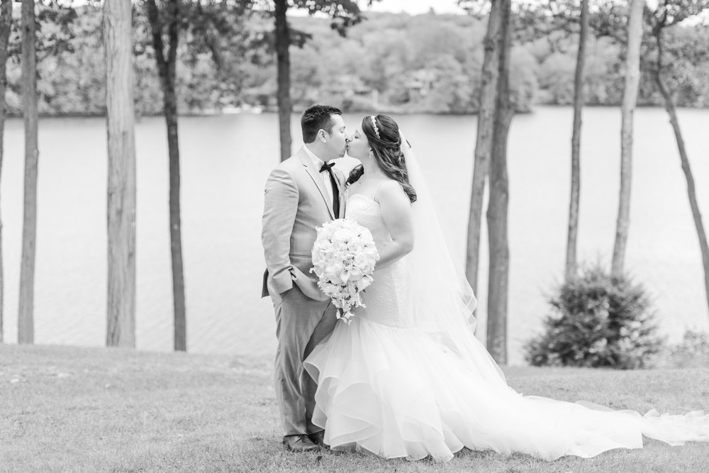 the-waterview-wedding-monroe-connecticut-westchester-nyc-engagement-photographer-shaina-lee-photography-photo
