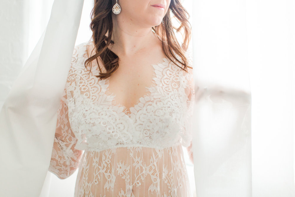 connecticut-boudoir-studio-westchester-nyc-wedding-engagement-photographer-mini-sessions-shaina-lee-photography-photo-1.jpg