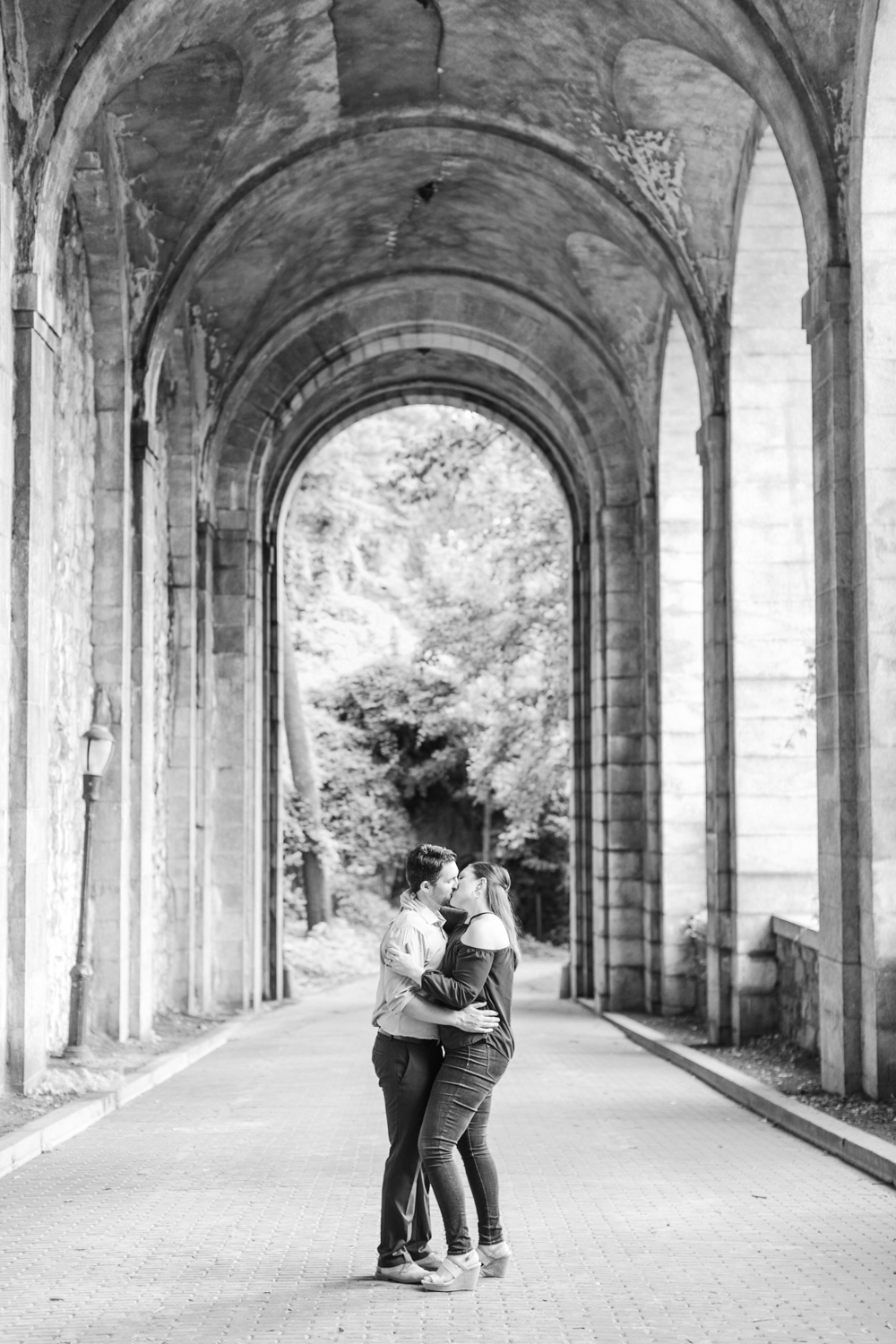 fort-tryon-park-engagement-session-the-met-cloisters-new-york-ny-connecticut-wedding-photographer-shaina-lee-photography-photo
